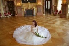 Maßangefertigtes Brautkleid mit ca. 7m Saumumfang