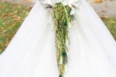 Maßangefertigtes Brautkleid mit Stickerie auf Tüll